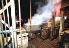 コルク樫を蒸している工程2
